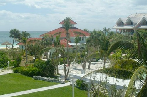 Flamingo Bay Hotel and Marina gardens