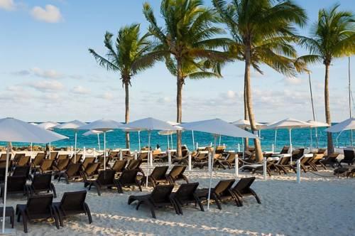 Memories Grand Bahama All Inclusive beach