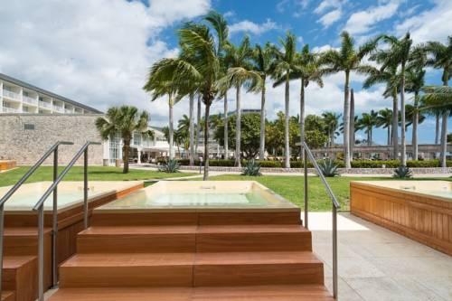 Memories Grand Bahama All Inclusive jacuzzi