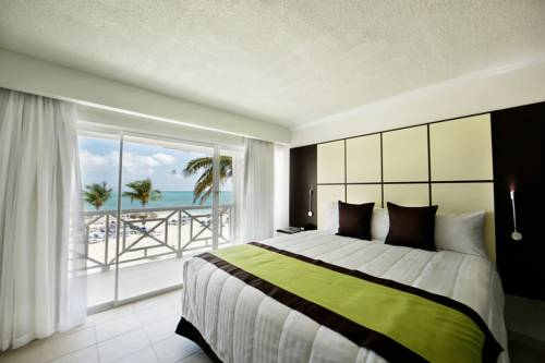 viva-wyndham-fortuna-beach-bedroom3