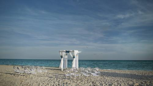 viva-wyndham-fortuna-beach-weddings